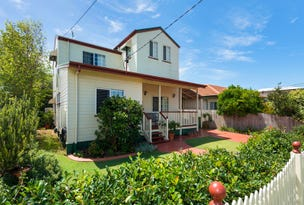 48 Collins Street, Woody Point, Qld 4019