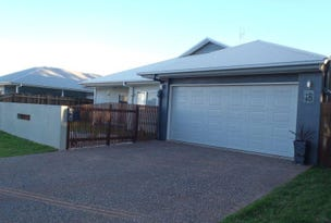16 Andersson  Court, Highfields, Qld 4352