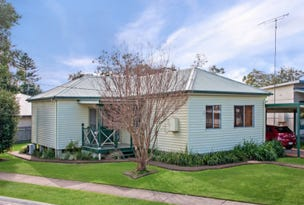 85 Adelaide Avenue, Umina Beach, NSW 2257