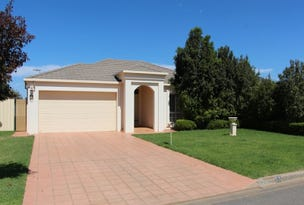 13 Little Road, Griffith, NSW 2680