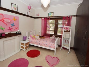 Children's room bedroom design idea with carpet & built-in wardrobe using pink colours - Bedroom photo 526893