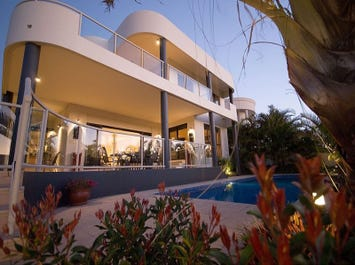 19 The Peninsula, Sovereign Islands, Qld 4216