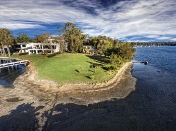68 Gordon Ave, Summerland Point, NSW 2259