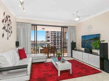 43/45 Deakin Street, Kangaroo Point, Qld 4169
