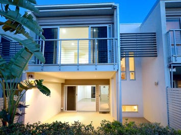 3/12 Palm Square, Morningside, Qld 4170