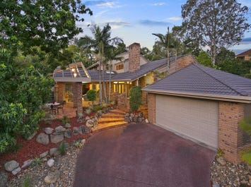 5 St Andrews Place, Indooroopilly, Qld 4068