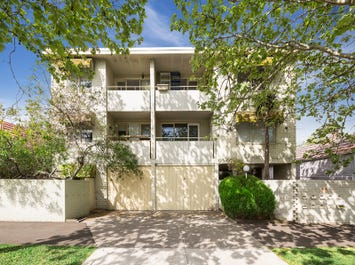 7/95 Eastwood Street, Kensington, Vic 3031