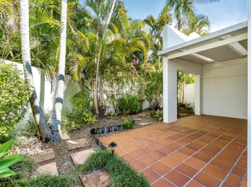 4/100 'Central Tce Adelphi Springs', Cotlew St East, Southport, Qld 4215