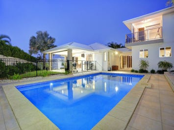 6 Tuckeroo Close, Coral Cove, Qld 4670