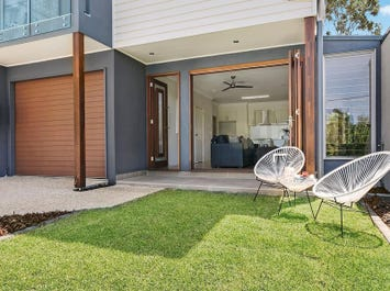 4 and 6 Foster Street, Newmarket, Qld 4051