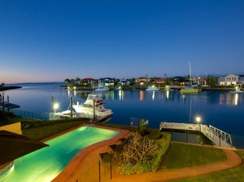 7 Grenoble Place, Raby Bay, Qld 4163