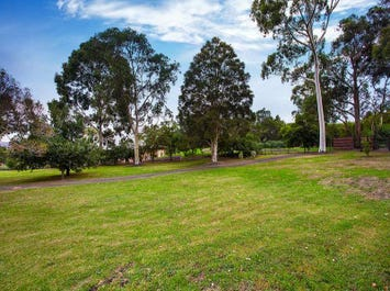 319 Eltham-Yarra Glen Road, Kangaroo Ground, Vic 3097