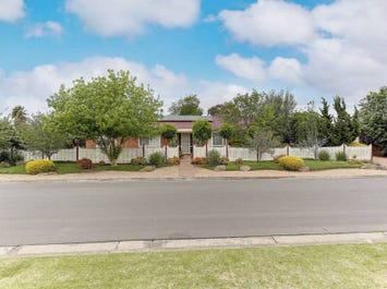 7 Molloy Court, Werribee, Vic 3030
