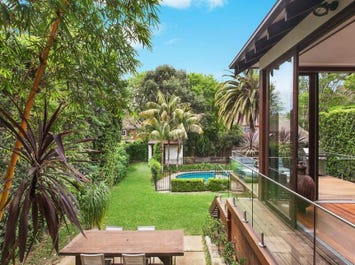 6 Sugarloaf Crescent, Castlecrag, NSW 2068