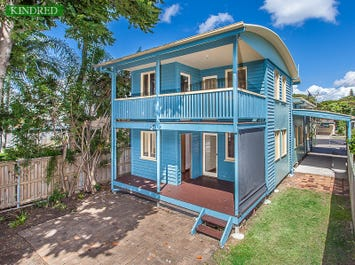 16 Donald St, Woody Point, Qld 4019