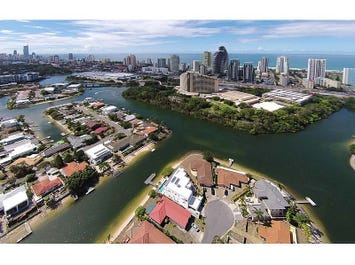 18 Rebecca Court, Broadbeach Waters, Qld 4218