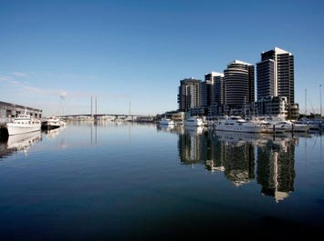 1307/18 Waterview Walk, Docklands, Vic 3008