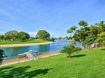 18 Cocos Crescent, Broadbeach Waters, Qld 4218