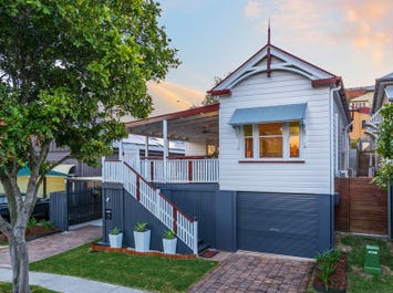 2 Lower Clifton Terrace, Red Hill, Qld 4059