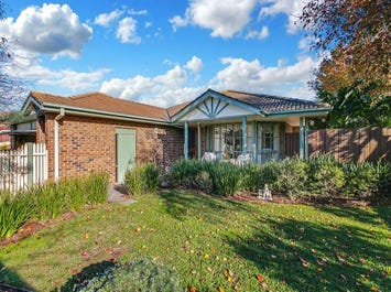 4 Grandiflora Court, Dingley Village, Vic 3172
