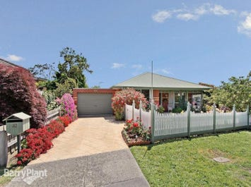 32 Fairlawn Place, Bayswater, Vic 3153