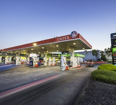 Woolworths/Caltex Service Station, 745 - 751 Springvale Road, Keysborough, Vic 3173
