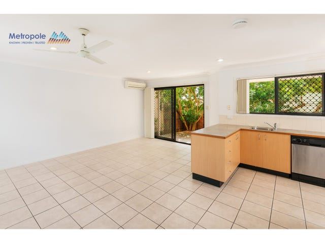 2/14 Western Ave, Chermside, Qld 4032