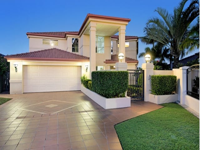 9 Stargazer  Place, Clear Island Waters, Qld 4226