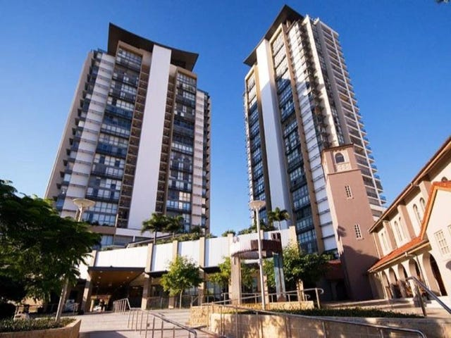 202/105 SCARBOROUGH STREET, Southport, Qld 4215