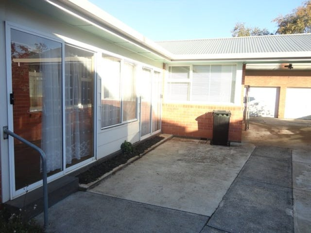 4 HOLMES PLACE, Park Grove, Tas 7320