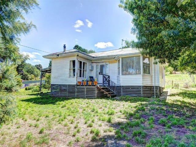 30 Sussex Street, Linton, Vic 3360