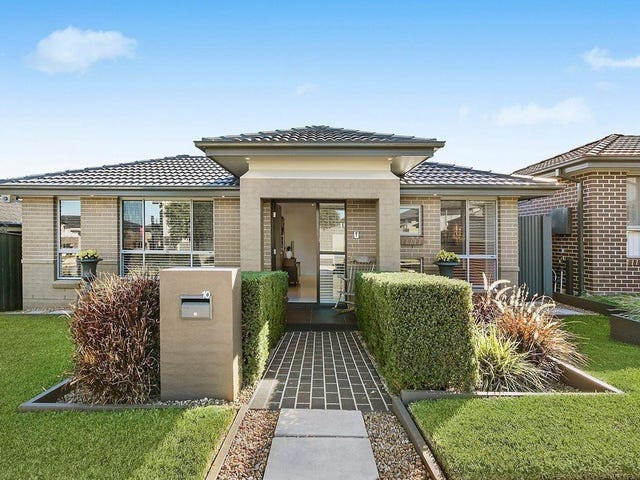 10 Charlie Street, Middleton Grange, NSW 2171