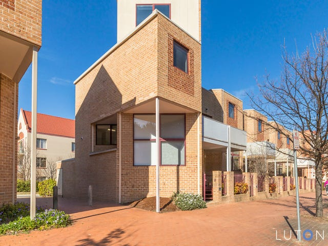 33 Cavanough Street, Phillip, ACT 2606