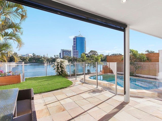 2/195 Stanhill Drive, Surfers Paradise, Qld 4217