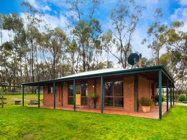 245 Three Chain Road, Maldon, Vic 3463