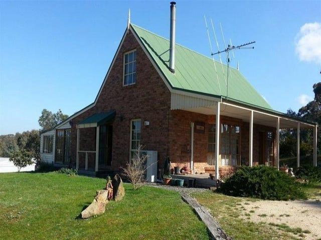 18 Broad Road, Campbells Creek, Vic 3451