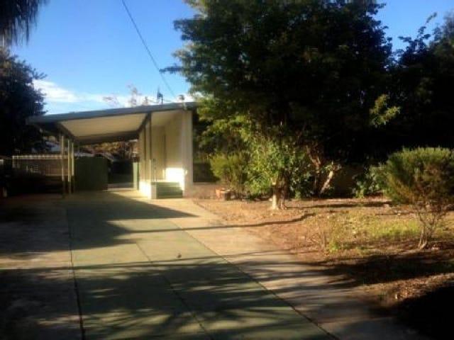 21 Waltham Court, Armadale, WA 6112