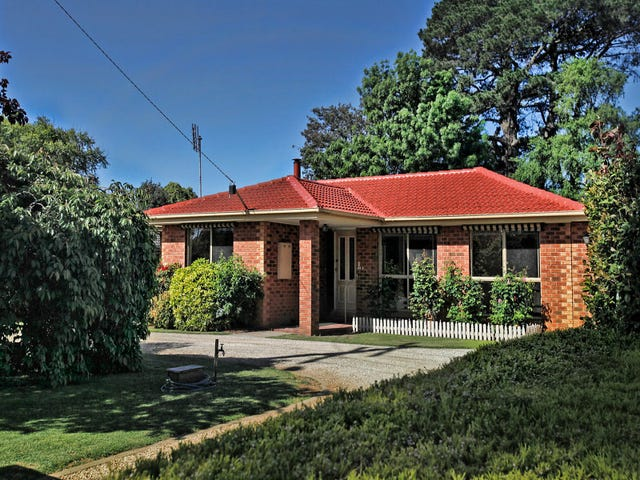 34 Stuart Drive, Woodend, Vic 3442