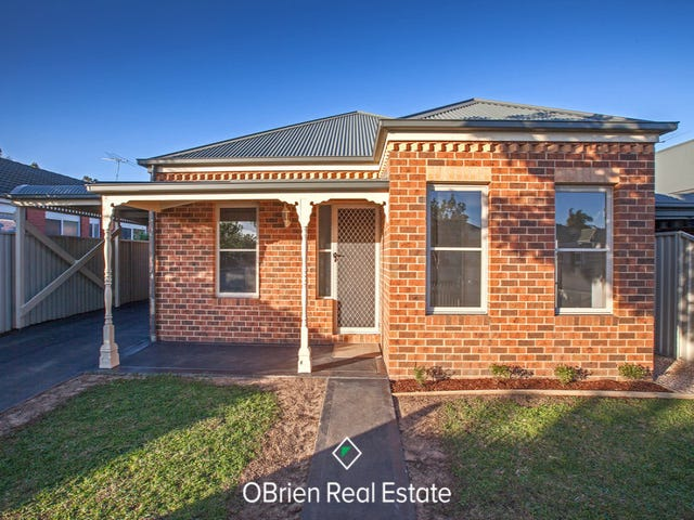 12 MacAlister Place, Pakenham, Vic 3810