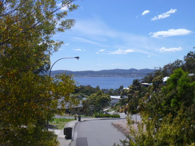 29 Gardenia Grove, Sandy Bay, Tas 7005