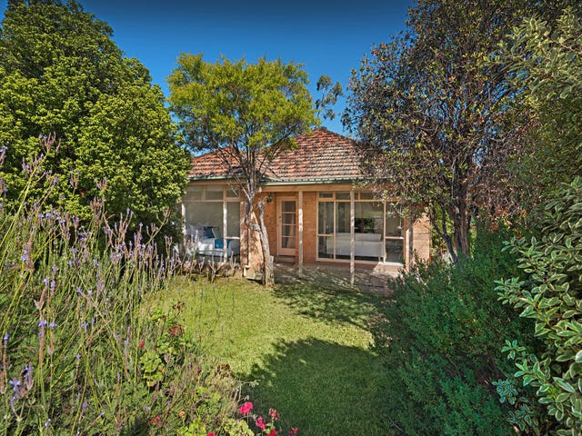8 Menzies Court, Brunswick West, Vic 3055