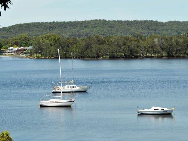10 Blandford Street, Fennell Bay, NSW 2283