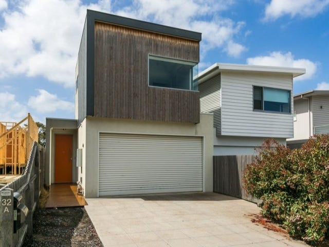 32A Beach Road, Torquay, Vic 3228