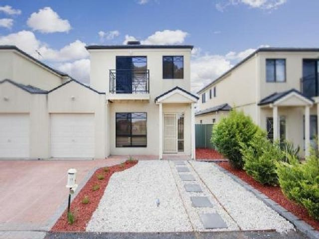 17 The Crescent, Point Cook, Vic 3030