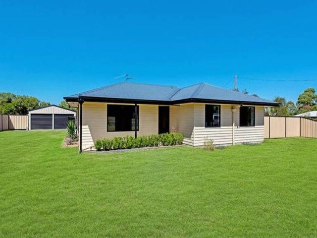 4 Peters Street, Goombungee, Qld 4354