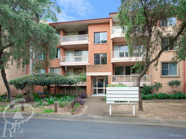 15/4 Mead Drive, Chipping Norton, NSW 2170