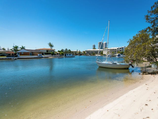 Unit 2/15 Burrows Street, Biggera Waters, Qld 4216