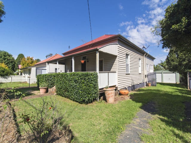 19 Edward Street, East Toowoomba, Qld 4350