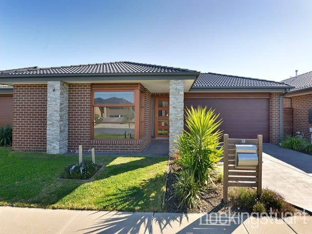 19 Ventasso Street, Clyde North, Vic 3978