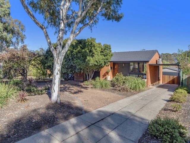 16 Blumenthal Place, Spence, ACT 2615